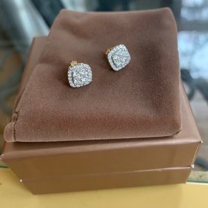 Jewelry - SOLD 14k gold diamond stud cluster earrings